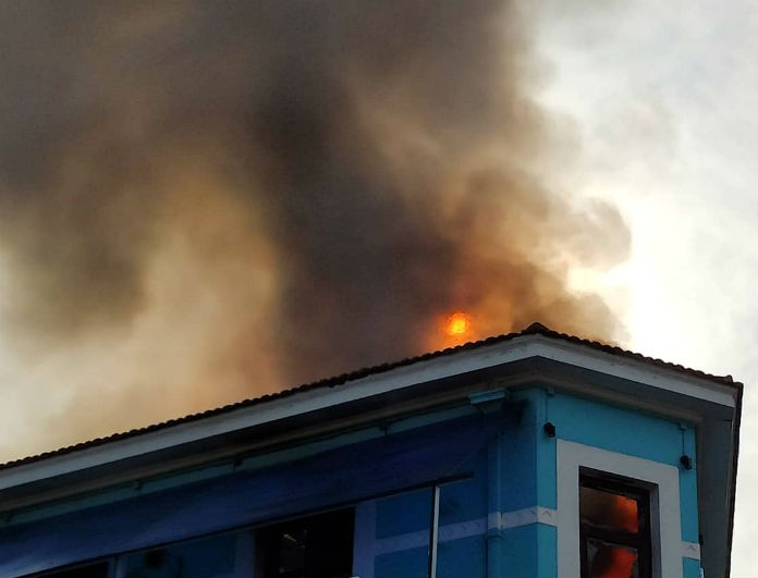 Μεγάλη φωτιά στα Χανιά! Πασίγνωστο κατάστημα έγινε στάχτη!
