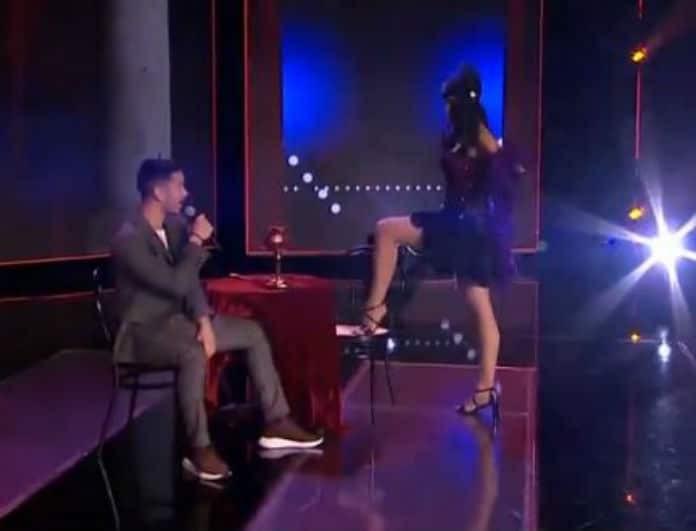 X-factor: Τραγούδησε Μουζουράκη και τον αποθέωσαν κοινό αλλά και κριτές! (Βίντεο)