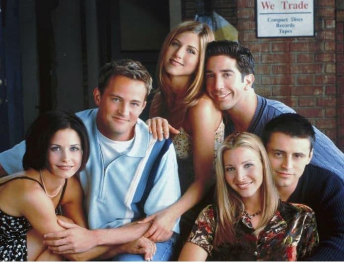 Βγήκε στη φόρα ο κρυφός δεσμός δύο πρωταγωνιστών από «Τα Φιλαράκια» 15 χρόνια μετά το τέλος της σειράς!