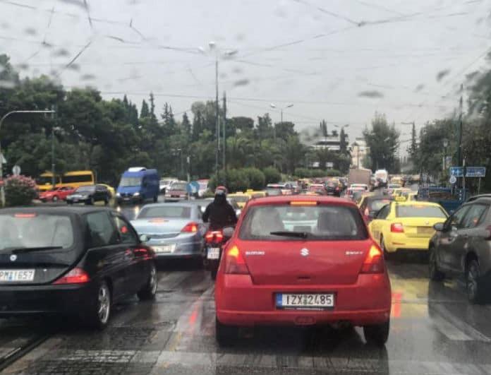 Στο κόκκινο η Αθήνα! Απίστευτη κίνηση λόγω της «Βικτώρια» - Που υπάρχουν προβλήματα;