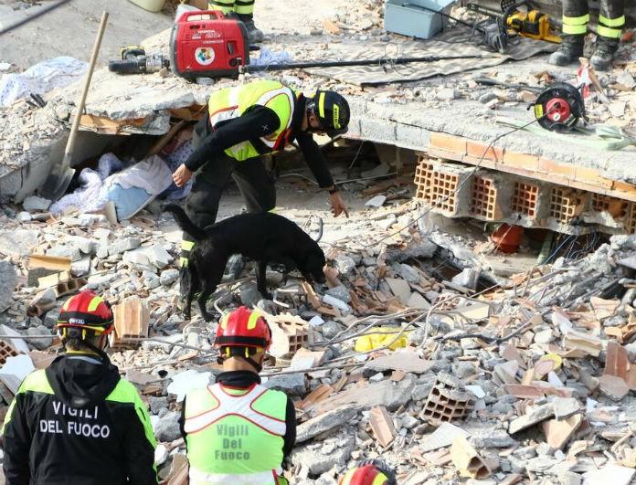 Σεισμός στην Αλβανία! Στους 40 οι νεκροί - Τι αναφέρει η ελληνική αποστολή πυροσβεστών;
