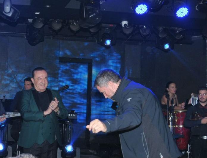 Σπύρος Παπαδόπουλος: Αυτόν τον χορό δεν τον έχει κάνει ούτε στο... Στην υγειά μας! Το υλικό στην δημοσιότητα!