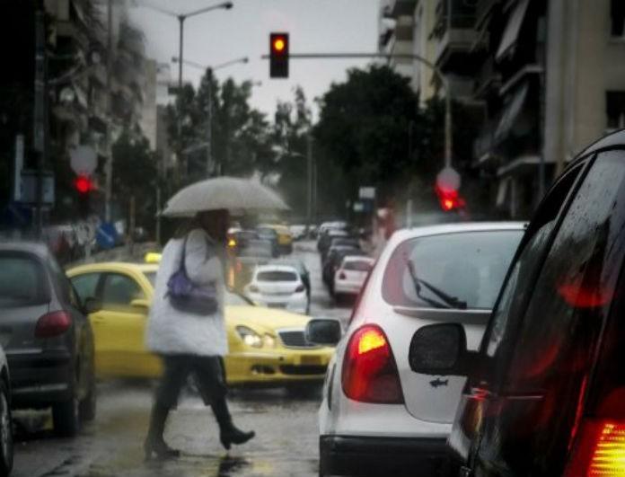 Αλλαγή σκηνικού στον καιρό απόψε: Βροχές, καταιγίδες και χιόνια