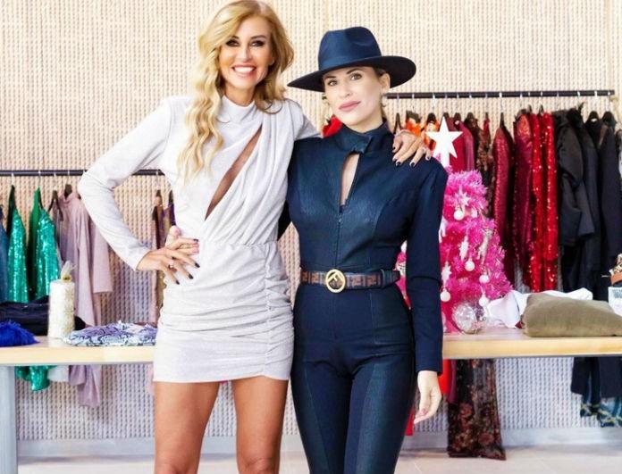 Υπέροχο φόρεμα σε πολλούς χρωματισμούς από την MK EXCLUSIVE FASHION και την Ιωάννα Μιχαλέα!