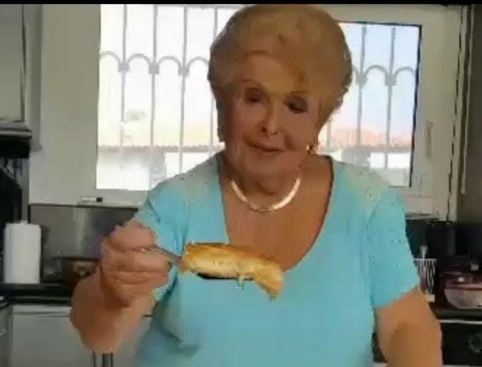 Βέφα Αλεξιάδου: Σου έμεινε γαλοπούλα; Κάνε την πίτα της και θα αδειάσει όλο το ψυγείο!
