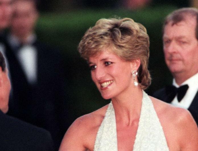 Σκάνδαλο στο Buckingham! Λιποθύμησε η Βασίλισσα Ελισάβετ! Η Diana προσπάθησε να σκοτώσει την...