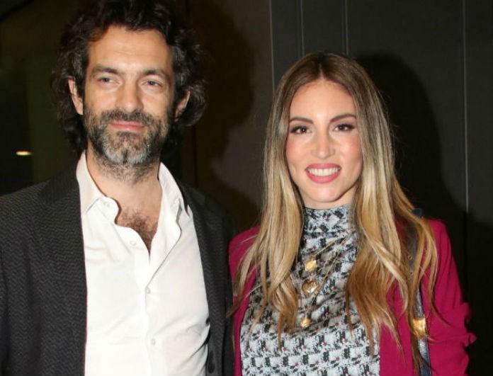 Αθηνά Οικονομάκου: Ο Μιχόπουλος δίπλα της λάμπει από έρωτα! Με κόκκινο πανωφόρι, εκείνη με λευκό!