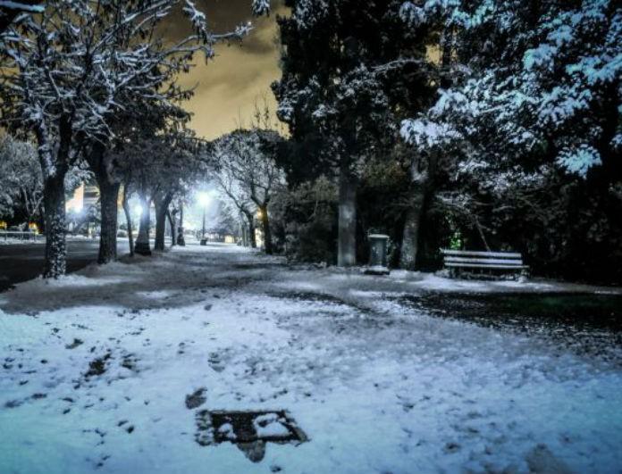 Η ΕΜΥ προειδοποιεί: Έρχονται «λευκά» Χριστούγεννα με καταιγίδες