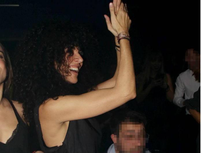 Μαρία Σολωμού: Χόρευε στα μπουζούκια και φάνηκαν οι κοιλιακοί της κάτω από την μπλούζα! Φωτογραφίες ντοκουμέντο...