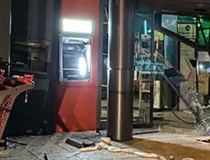 Σοκ στην Θεσσαλονίκη! Ανατίναξαν ΑΤΜ και έκλεψαν δύο κασετίνες με λεφτά!