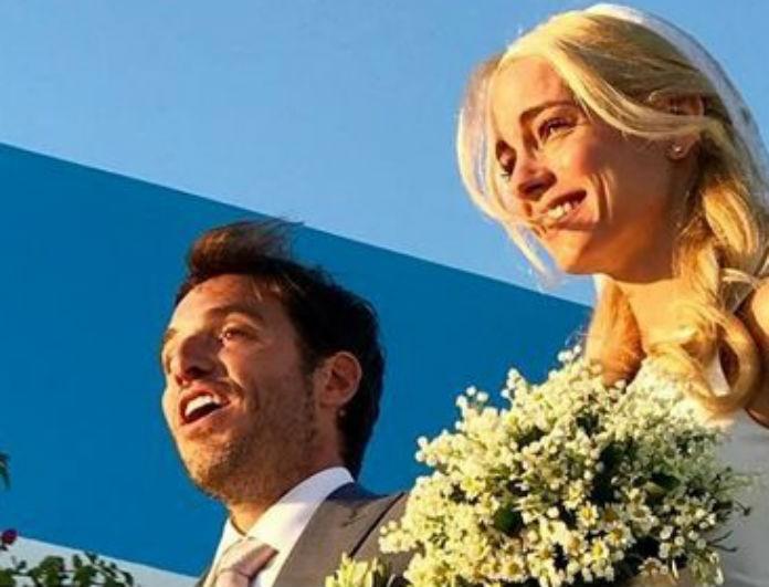 Δούκισσα Νομικού: Στο γάμο της με τον Δημήτρη Θεοδωρίδη φόρεσε το πιο απλό νυφικό! Μια λεπτομέρεια όμως έκανε την διαφορά!