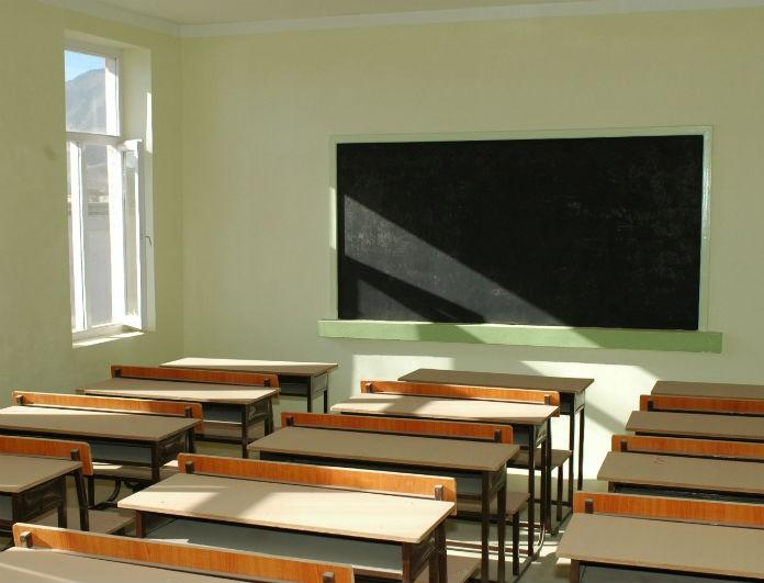 Σκάνδαλο! Καθηγήτρια έκανε όργιο με ανήλικους μαθητές!