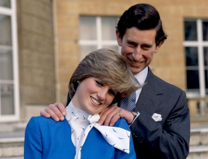 Diana: Η φωτογραφία έξω από το παλάτι του Buckingham που ανατριχιάζει! Όταν πέθανε πέταξαν...