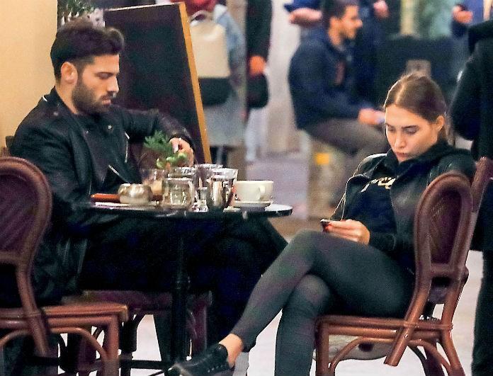 Κωνσταντίνος Αργυρός: Βγήκε με τη σύντροφο του και δεν αντάλλαξαν ούτε κουβέντα! Κοιτούσαν όλη την ώρα τα κινητά τους!