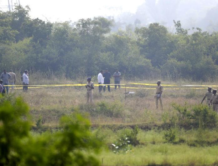 Φρίκη: Βίασαν, σκότωσαν και έκαψαν 27χρονη! Δολοφόνησαν τους δράστες στην αναπαράσταση του εγκλήματος!