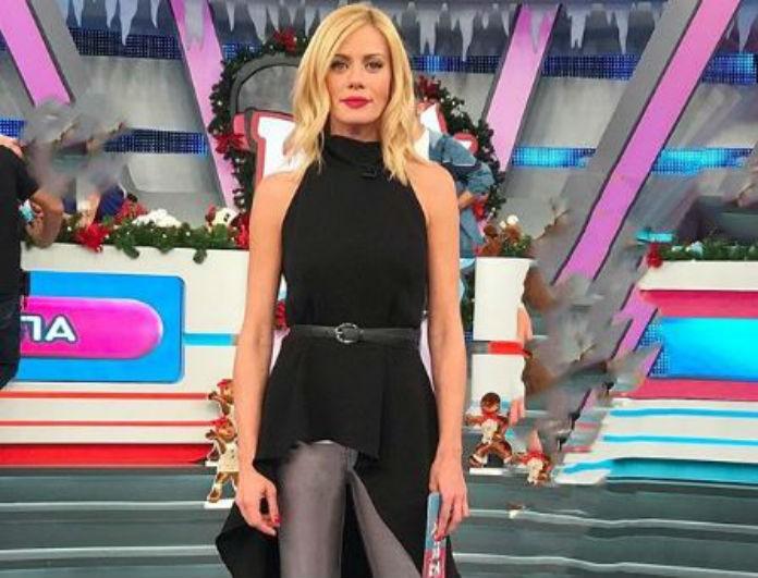 Ζέτα Μακρυπούλια: Το παντελόνι της είναι γκρι και γυαλίζει! Ο Χατζηγιάννης