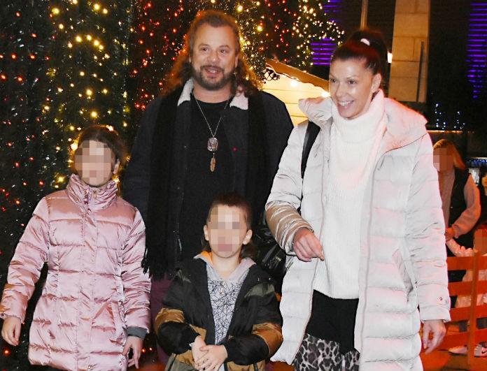 Χρήστος Δάντης: Βόλτα με τα παιδιά και την γυναίκα του! Ήταν άβαφη και την κοιτούσαν όλοι! Δείτε φωτογραφίες!