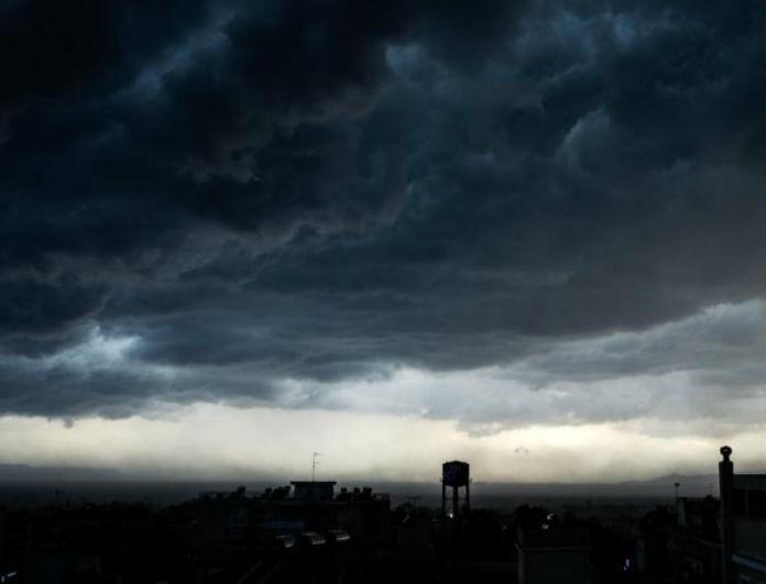 Καιρός σήμερα: Βροχές θα
