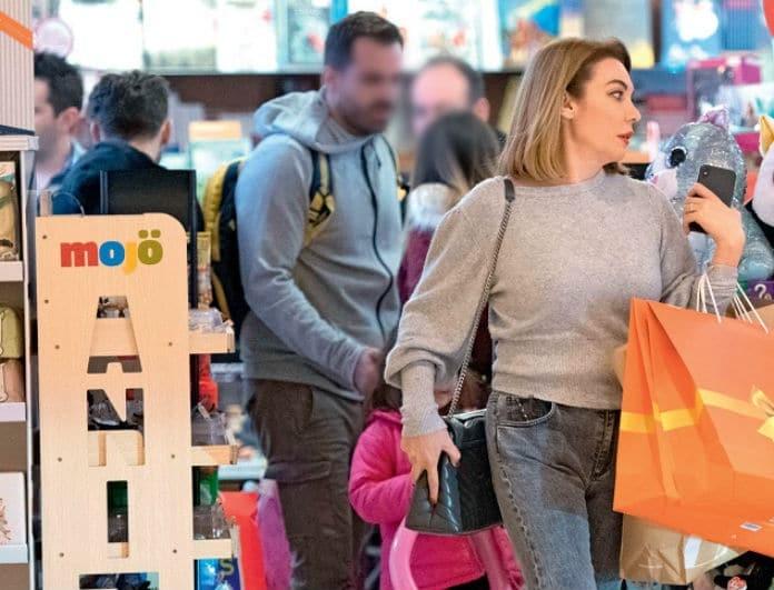 Τατιάνα Στεφανίδου: Βγήκε με τον γιο της για ψώνια κι όλες τον κοιτούσαν! Είναι κούκλος! Δείτε φωτογραφίες...