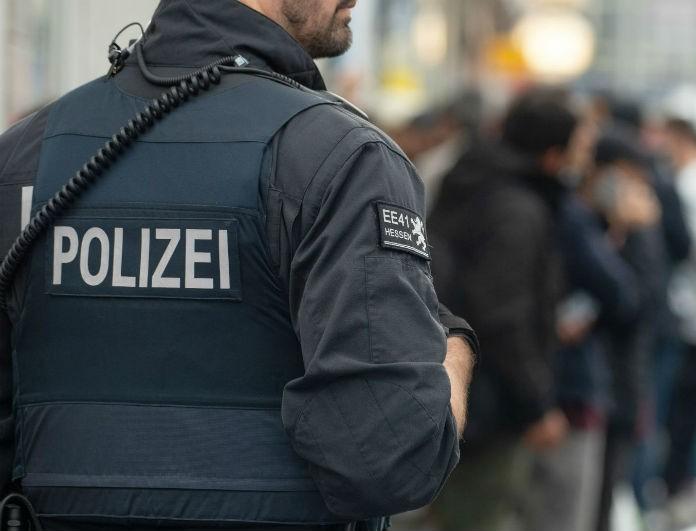 Φρίκη στη Γερμανία! Ανήλικος βρέθηκε στην ντουλάπα παιδεραστή!