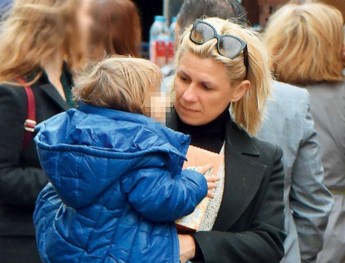 Κατερίνα Καραβάτου: Η έκπληξη της παρουσιάστριας στα παιδιά της! Φωτογραφίες από τις τρυφερές στιγμές μαζί με την μητέρα της!
