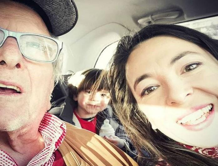 Αλίκη Κατσαβού: Η φωτογραφία μέσα από το αμάξι με τον Κώστα Βουτσά! Πού πήγαν με τον μικρό Φοίβο;