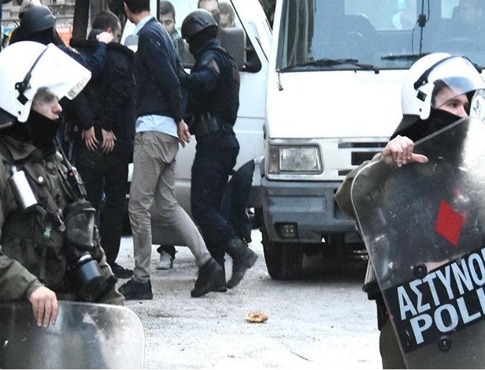 Χάος στο Κουκάκι! Οι επιχειρήσεις της Αστυνομίας και οι σοκαριστικές εικόνες από τα κτίρια υπό κατάληψη!