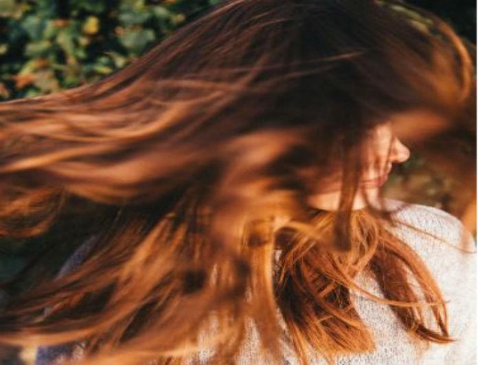 Ο απόλυτος οδηγός για να κάνεις τα μαλλιά σου να δείχνουν πιο λαμπερά από ποτέ!