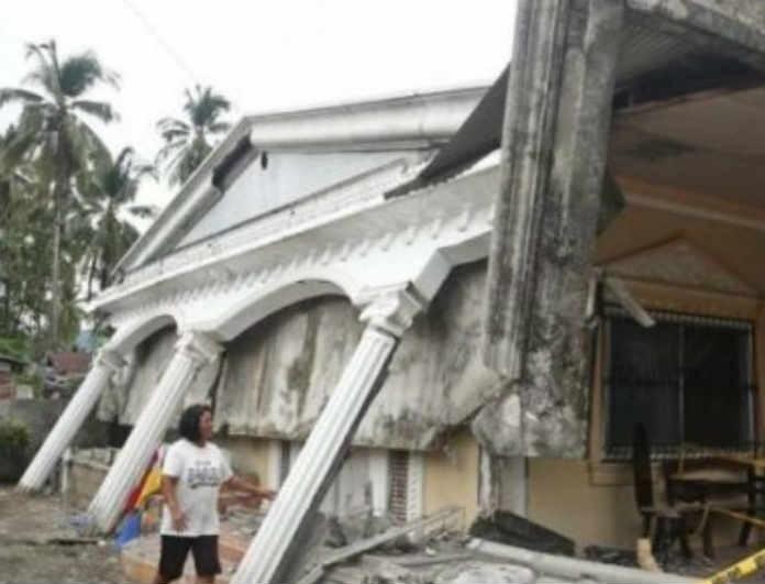 Φρίκη με μικρό κορίτσι που έχασε την ζωή της από μεγάλο σεισμό 6,9 Ρίχτερ!