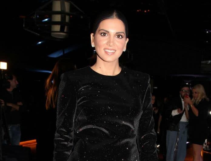 Σταματίνα Τσιμτσιλή: Έλαμπε στο μαύρο κολλητό φόρεμά της! Όλοι κοιτούσαν το βαθύ άνοιγμα στην πλάτη της...