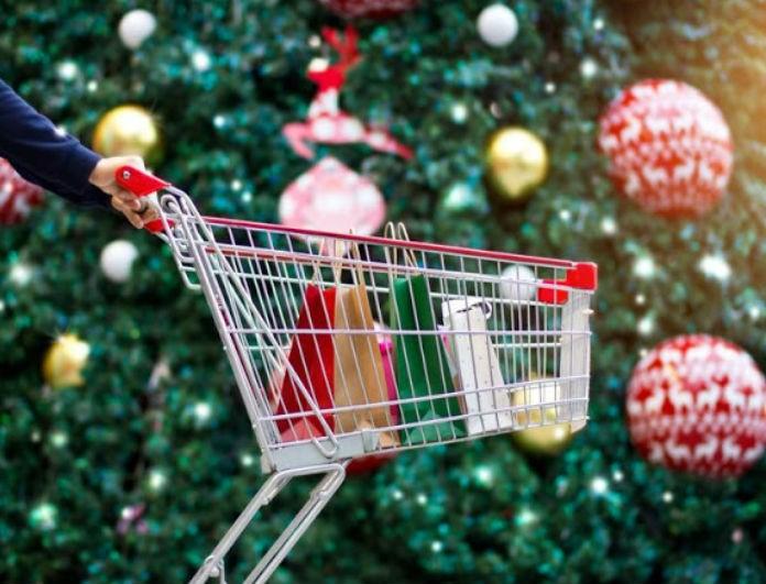 Εορταστικό ωράριο: Αυτές τις ώρες κλείνουν τα μαγαζιά σήμερα και αύριο!