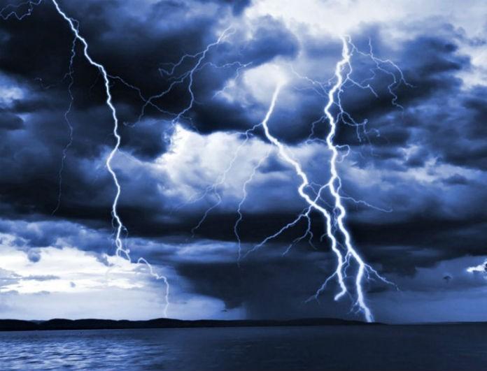Συνεχίζεται η κακοκαιρία και το Σαββατοκύριακο! Ποιες περιοχές πρέπει να προσέξουν από τις καταιγίδες;