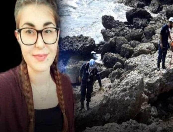 Δολοφονία Τοπαλούδη: Ξεκίνησε η δίκη! Σπάραξε η μητέρα της - «Δολοφόνοι, θα σας πάρω την ψυχή»!