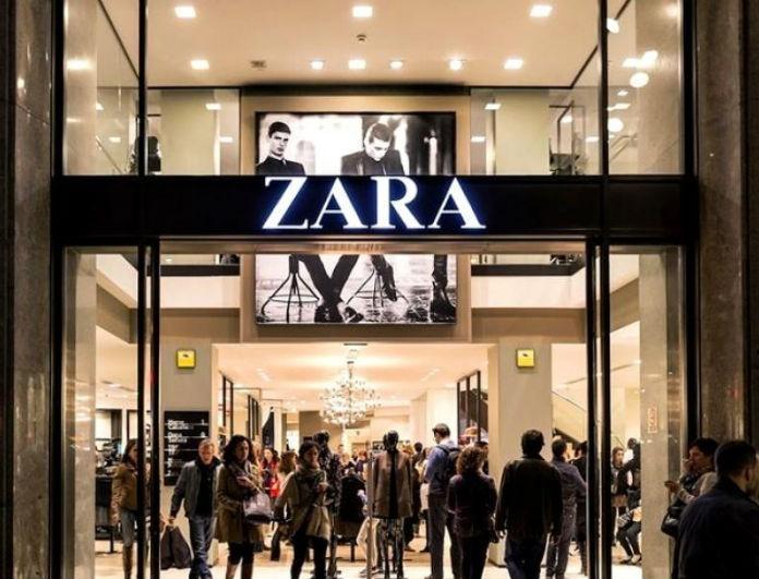 Zara: Αυτό το φόρεμα προκαλεί πανικό! Η δερμάτινη λεπτομέρεια στο μπούστο θα απογειώσει τις εμφανίσεις σου!