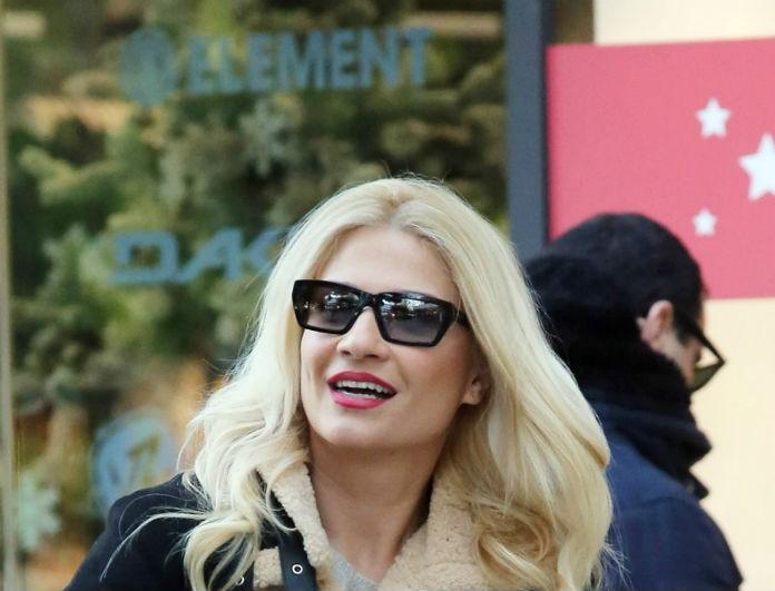 Φαίη Σκορδά: Το biker jacket της βρίσκεται σε έκπτωση! Από 139,90 ευρώ μπορείς να το κάνεις δικό σου με...
