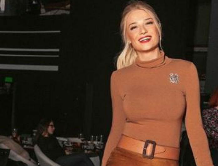 Φαίη Σκορδά: Το φούξια φόρεμά της, την έκανε να μοιάζει με Barbie! Κοστίζει 155 ευρώ!