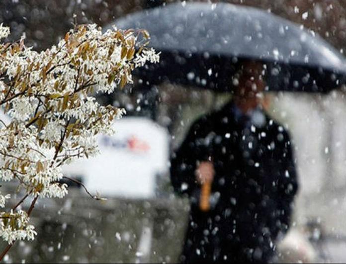 Καιρός: Εξασθενεί η κακοκαιρία αλλά... παραμένουν οι βροχές και τα χιόνια!