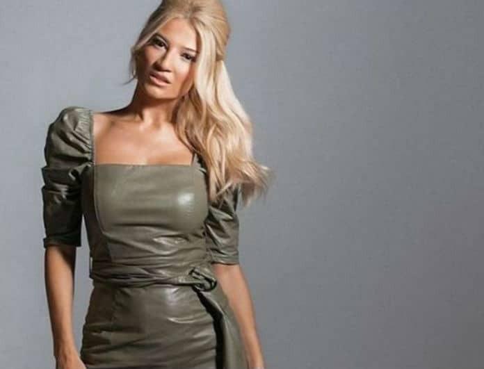 Φαίη Σκορδά: Το φόρεμά της, μοιάζει με γιλέκο! Είναι μαύρο και ξεπουλάει σαν «ψωμάκι»!