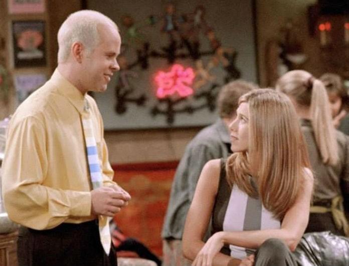 Τα Φιλαράκια: Τον σερβιτόρο που ήταν τρελά ερωτευμένος με την Rachel τον θυμάστε; Στην πραγματικότητα ήταν...