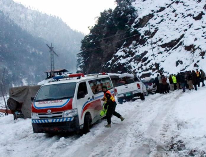 Σοκ στο Πακιστάν: 93 άνθρωποι έχασαν τη ζωή τους από την κακοκαιρία που πλήττει τη χώρα
