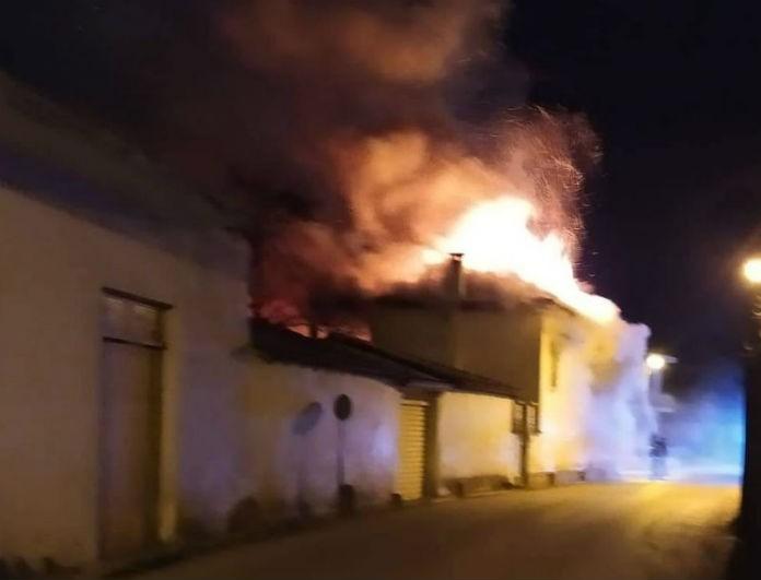 Τραγωδία στην Αργολίδα! Πυρκαγιά σε σπίτι - Αγωνία για τα δύο αδέρφια που ήταν μέσα!