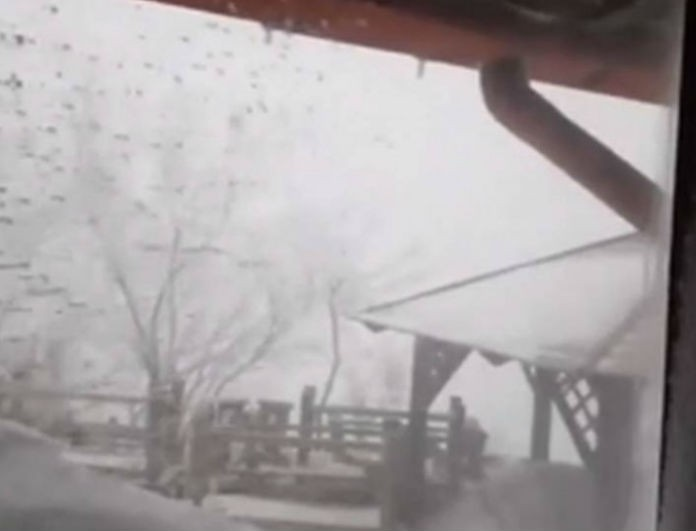 Πάρνηθα: Το χιόνι στο καταφύγιο Μπάφι έφτασε τα 4 μέτρα! Μοναδικές εικόνες!