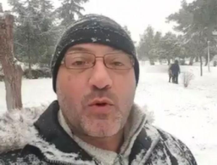 Σάκης Αρναούτογλου: Χιόνισε σε περιοχή της Αθήνας! Στη δημοσιότητα μοναδικές φωτογραφίες!