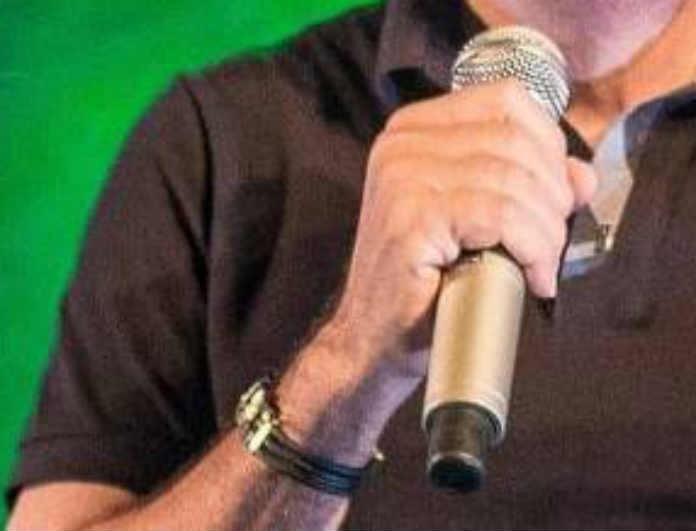 Θρήνος! Γνωστός τραγουδιστής πέθανε επί σκηνής!