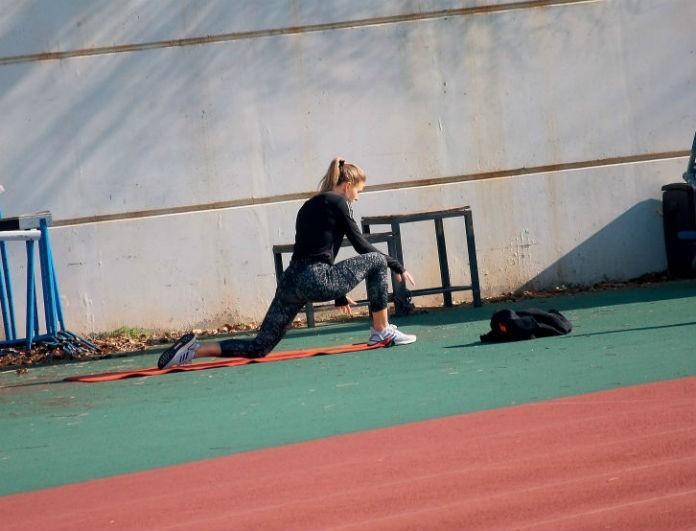 Κατερίνα Δαλάκα: Φωτογραφίες από την καθημερινή προπόνηση μιας... Survivor! Με κολάν τρέχει στον στίβο...
