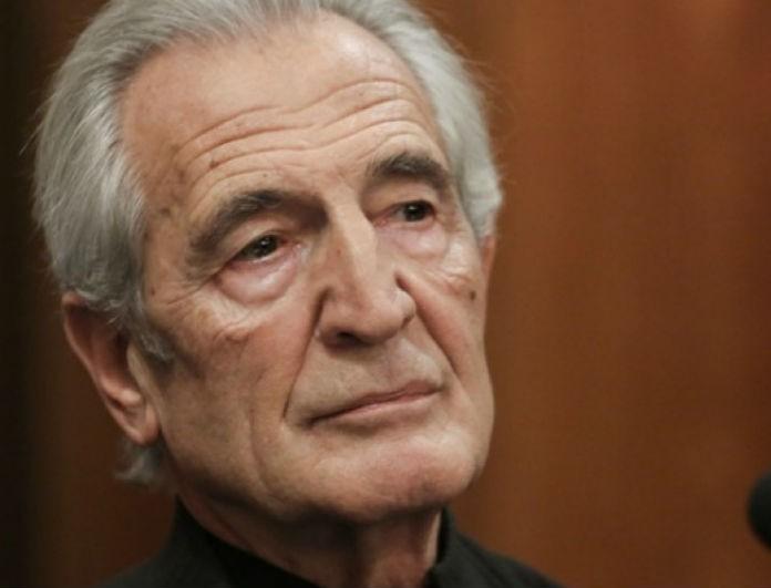 Γιώργος Κοτανίδης: Οι πρώτες εικόνες από την κηδεία του ηθοποιού! Με συνοδεία ποντιακής λύρας!