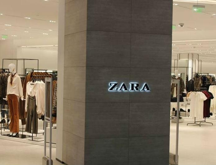Zara: Αυτό το δερμάτινο φόρεμα