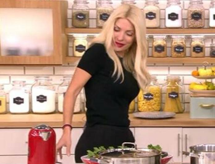 Ελένη: Αποκάλυψε στον αέρα της εκπομπής ότι πάχυνε και εκμυστηρεύτηκε την διατροφή για την απώλεια των κιλών της!