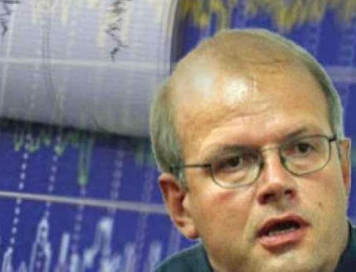 Ο σεισμολόγος Άκης Τσελέντης προειδοποιεί: «Περιμένουμε μετασεισμό 4,5 Ρίχτερ»!