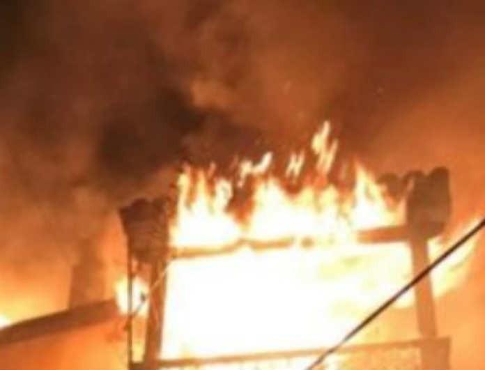 Φωτιά στην Κέρκυρα: Ραγδαίες εξελίξεις! Ποια η κατάσταση του άνδρα που κρεμάστηκε από το μπαλκόνι;